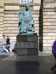 (Mann-ist-0) Tags: statue scotland edinburgh hume davidhume colorefexpro