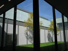 courtyard (Ir. Drager) Tags: trip museum architecture germany geotagged deutschland essen courtyard ruhr ruhrgebiet nordrheinwestfalen cultural ruhrregion davidchipperfield folkwang museumfolkwang europeanculturalcapital ogaexcursion