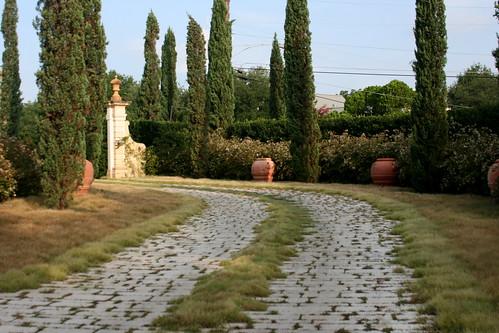 Green Garden driveway