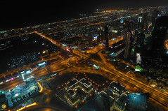 تقاطع طريق الشيخ زايد  من على برج خليفة ---- Shaikh Zayid Rd inetersection (top of Burj Khalifa) (Dhowayan (Abu Yara)) Tags: night cityscape intersection برج longexp خليفة ليلي تقاطع تعريضطويل burjkahlifa shaikhzayidrd طريقالشيخزايد