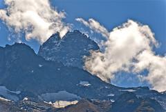 L'Aiguille des Dru et les nuages (jeanmichelchuiche) Tags: blue dru clouds bleu ciel cablecar neige nuages chamonix rocher montblanc aiguille lognan caillasse neves teleski