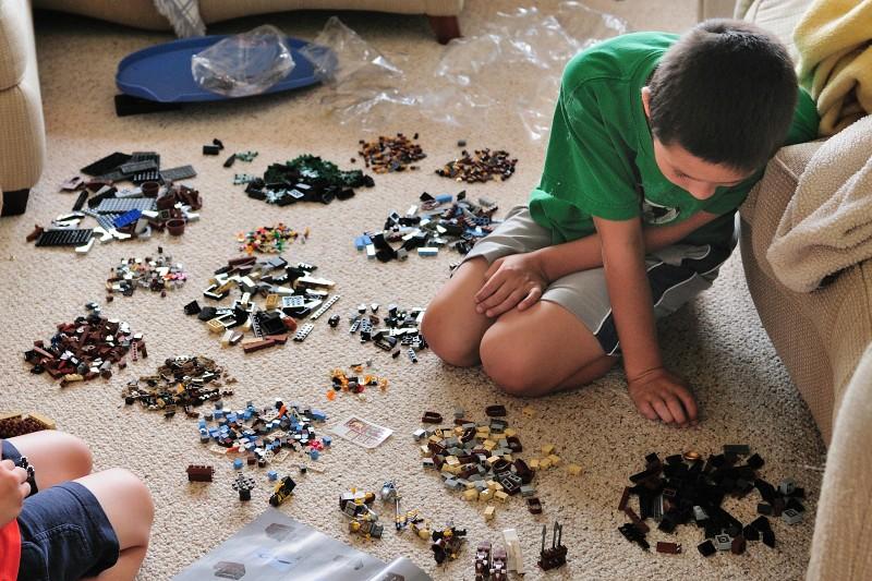 10.09.23 - 1600 Lego Pieces