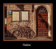 Bici III. La bici y la trattoria. (Kepa_photo) Tags: art bike bicycle italia raw volterra bicicleta olympus cycle bici zuiko euskalherria euskadi paisvasco 43 ciclo fourthirds olympuse1 digital43 livemos bicicletalabicidetrattoria kepaphoto kepaargazkiak