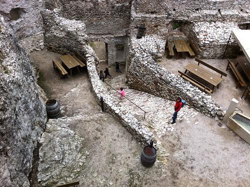 Innenhof der Haderburg mit der Burgschenke