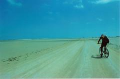 (Paulalalaaa) Tags: del sand desert delta bicicleta arena punta desierto catalunya duna bycicle sorra ebre fangar