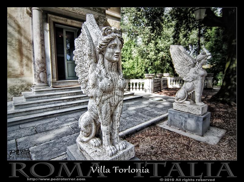 Roma - Villa Torlonia - Esfinges aladas