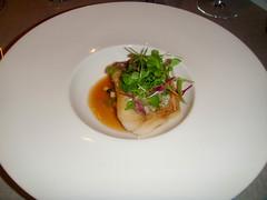 Gallineta, panache de verduritas salteadas con mantequilla de anisados