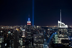 Tribute in Lights, New York. 11th Sept 2010 (1hr photo) Tags: nyc newyorkcity newyork memorial worldtradecenter 911 rockefellercenter topoftherock tributeinlights d80