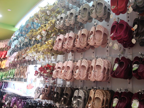 Crocs store - mid valley (1)