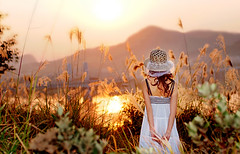 Liujiang Sunrise (Michael Steverson) Tags: woman girl beautiful hat sunrise river asian dress chinese sundress guangxi strato liujiang phottix