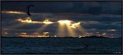 night session start (Tomi Tähti) Tags: ocean light sea kite water suomi finland wind flash surfing kiteboarding kitesurfing hanko meri vesi leija salama mikael valo mikki tuuli lautailu strope surffaus leijalautailu hyryläinen