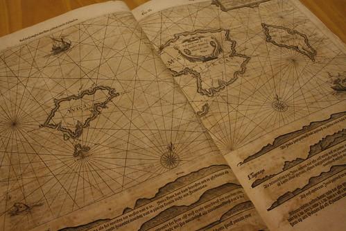 Vierde Deel der Zeespiegel, inhoudende eene beschrijvinge der zeehavenen, reeden en rusten van de Middellandsche schipvaert ...