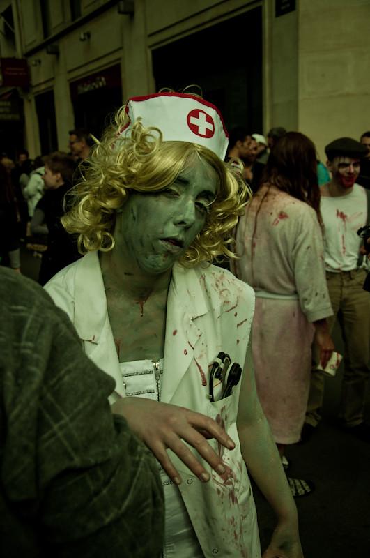 Il y en avait de toutes les couleurs... - Paris Zombie