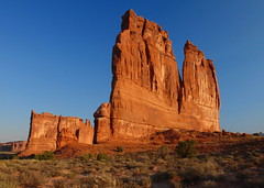 UT10C00001 (catnahat) Tags: orange nature landscape utah nationalpark sandstone pentax arches moab kx courthousetowers