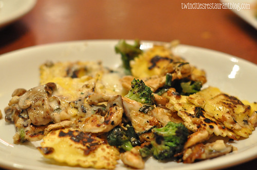 Ravioli Alfredo with Chicken Stir-Fry at bd's Mongolian Grill ~ Burnsville, MN