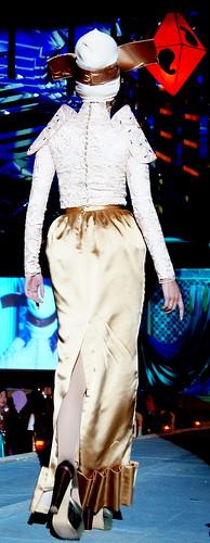 Islamic fashion festival 2010 - Jovan Mandagie (8)