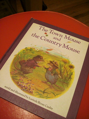 the town and the country mouse...love this book