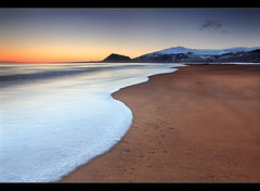 Curved Wave - Snfellsnes, Iceland (orvaratli) Tags: winter sunset sea beach landscape iceland wave arctic snfellsjkull julesverne arnarstapi snfellsnes stapafell arcticphoto