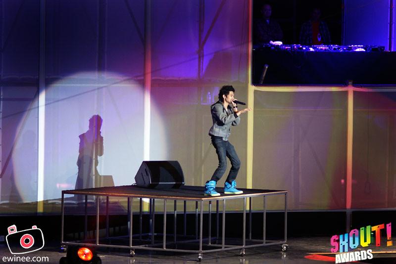 DANCE-BEAT-BOX-SHOUT-AWARDS-2010-2