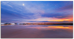 Sunset moon (alonsodr) Tags: sunset paisajes atardecer landscapes andaluca sony salinas filter alpha cdiz alonso saltmine carlzeiss cokin sanlcardebarrameda nd8 a900 alonsodr gnd8 alonsodaz alpha900 x121s cz1635mm