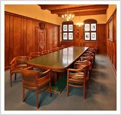 Ein Kleinod im Rathaus (Norbert Kaiser) Tags: pirna rathaus raum zimmer saal kleinerratssaal tisch stühle
