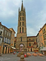 Sphre au sommet ! (Dubus Laurent) Tags: sky france church monument saint statue architecture temple christ religion jesus churches architectural cathdrale ciel michel maison fontaine eglise churche batiment limousin basilique paroisse chretien sanctuaire architectur limoge vierge abbatiale batiments catholique catholicisme clerg chrtient baptis fidle chretiens saitmichel catholicit saitmicheldeslions