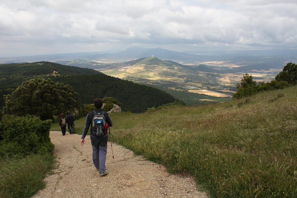 En Montejurra, hacia Monjardín
