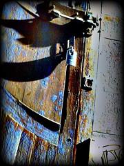 Buscando texturas en Velluters (Pepe Alfonso) Tags: camera abandoned neglected ruin plastic ruine abandon ruinas hari ruinen abandono ruïna toi desolacion abandonado desolated zerstörung velluters vergessen ruinous destruccion miseria elend marginacion verwüstung abandonnés nezumi délabrée ruïnes desolació superheadz abandonat digitalcamara toydigitalcamera destrucció toicamera misèria verlassenen abandonament inoso digitalharinezumi ruineux zumidigital digitalharinezumi2 aufzugeben ruinösen ruïnós olvidadoruine abandecairuinsexplorationforgottenoubliéeabandonnerabandonnésruinadonedplaces digitalharinezuharinezumicamara harinezumifotografia