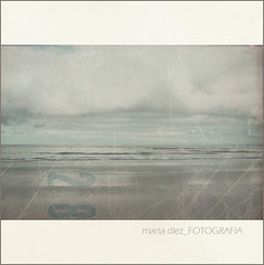 _una ms de nubes y mar_ ([marta dez . fotografa]) Tags: textura marina canon mar paisaje minimal nubes textured cantabria minimalista cantabrico 400d minerva77