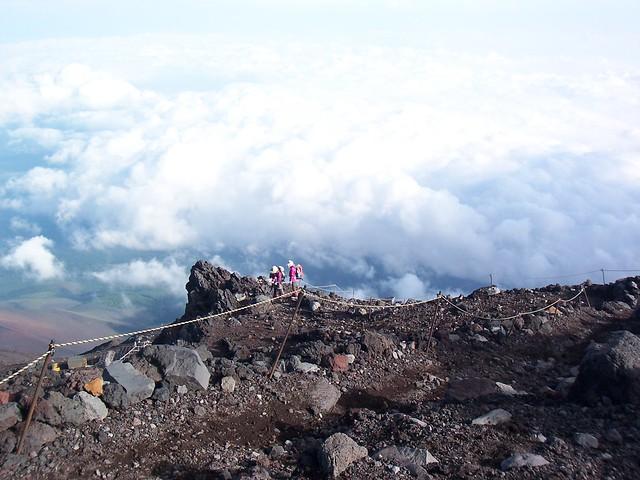 九号五勺へ, 富士山登山(富士宮ルート) Climbing Mt.Fuji