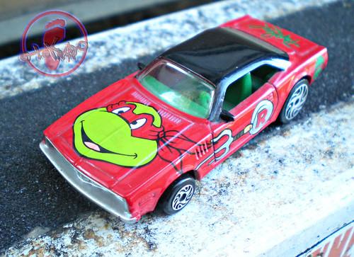 "Racing Champions ""Street Wheels"" diecast 1:64 scale - 'Teenage Mutant Ninja Turtles' 5 pack :: 1970 Barracuda Coupe - Raphael i (( 1999 ))"