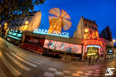 Moulin Rouge (A.G. Photographe) Tags: blue sunset red fish paris france moulin rouge nikon fisheye bleu cancan bluehour moulinrouge nikkor franais hdr parisian anto couchdesoleil xiii parisien heurebleue 16mmfisheye frenchcancan d700 antoxiii hdr5raw