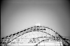 Cyclone (strüjen) Tags: new york bw film brooklyn coneyisland slim kodak rollercoaster ultrawide vivitar cyclone 400cn