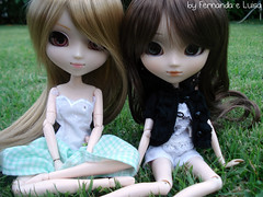 Alice e Sophie - Pullips Kaela e Sfoglia (Fernanda __) Tags: friends doll bonecas dolls alice natureza sophie fotos viagem pullip boneca amigas pe lindas kaela pullips fernanda fofas aldeia lusa arlivre junplanning sfoglia