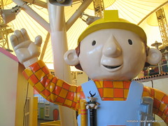 2010 aug 28 out and about img_5864 (Dave Reinhardt) Tags: uk england bobthebuilder butlins bognorregis teddybok