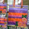 BOLSA FLOR (Fuxico de Chita) Tags: de flor artesanal fuxico feltro tecido aplicação sacola ecológica customização sacoladefeira aplicaçãodefeltro sacolaecológica