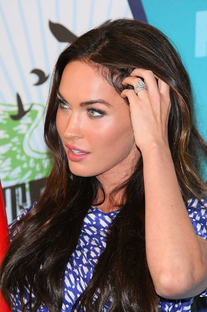 Megan Fox Teen Choice anillo cara