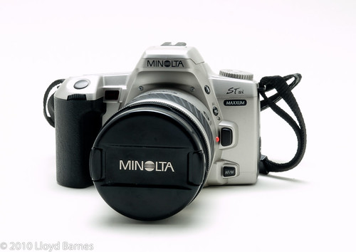 Minolta Maxxum STsi with 28-80 f/3.5 lens