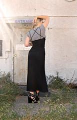 dressing rings minimalist longblackdress 90sstyle tomfordsunglasses pourlavictoireshoes dresswithtshirtunder strappywedgesandals