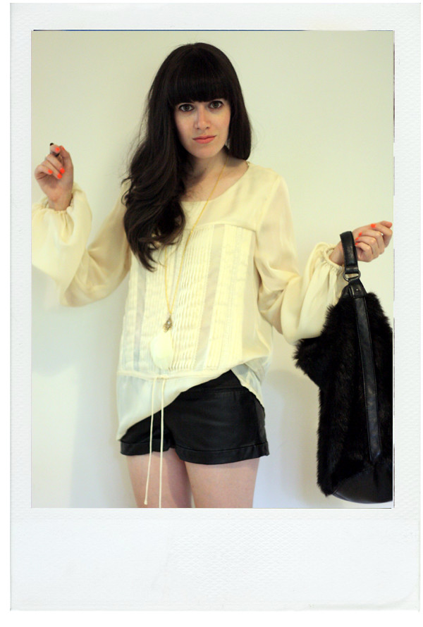 leather_shorts_furry_bag2