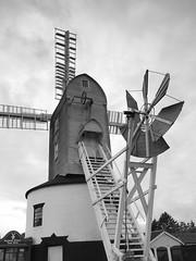 P9147422 (Paul_sk) Tags: green mill windmill suffolk post saxtead