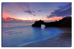 Batu Bolong Temple, Tanah Lot (Nora Carol) Tags: bali seascape temple lot sacred tanah sigma1020mm nikond90 noracarol purabatubolong rutryingtostartaward
