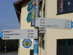 Saar-Hunsrück-Steig Wegweiser in Mettlach