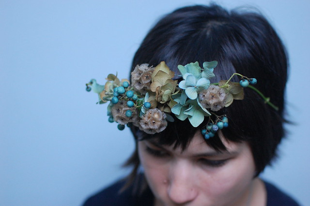 porcelain vine_flower crown