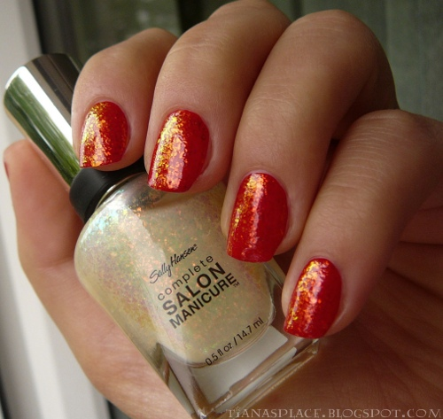 OPI - Color So Hot it Berns + Sally Hansen - Hidden Treasure #2
