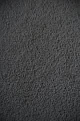 Anglų lietuvių žodynas. Žodis carpet reiškia 1. n kilimas, patiesalas; on the carpet svarstomas (klausimas); to have smb on the carpet išbarti ką nors; 2. v 1) iškloti kilimais; 2) iškviesti pasiaiškinimui, įspėjimui; carpet- bagn kelionmaišis, sakvojažas lietuviškai.