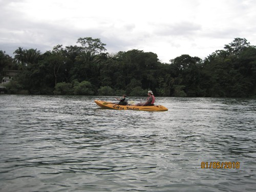 Kayaking-on-Rio-Dulce-Guatemala