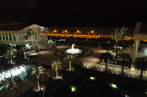 Vista nocturna desde la terraza de la habitación
