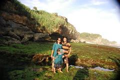 Pantai Baron (fariz72) Tags: jogjakarta gunungkidul pantaibaron pantaikarang panoramapantai