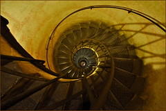 Corkscrew (HannyB) Tags: paris stairs spiral interestingness steps 100v10f staircase helix arcdetriomphe corkscrew 30faves30comments300views